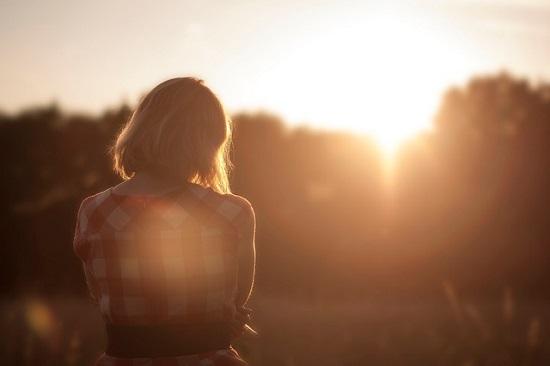 夕陽と女の子